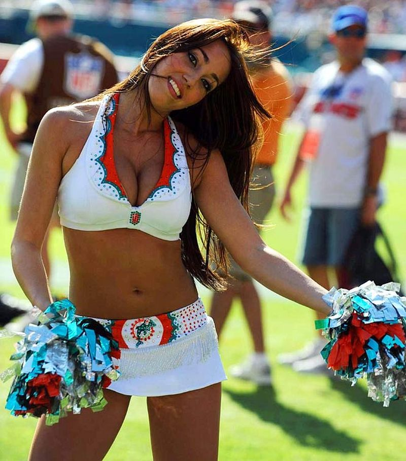 Dolphins-cheerleaders---