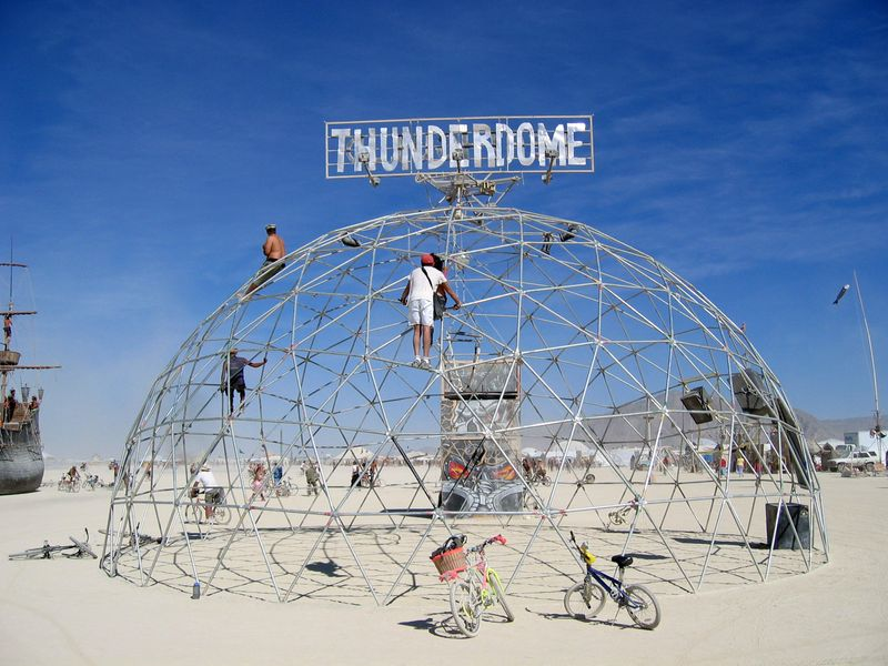 Pa7b_burningman_thunderdome